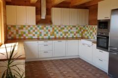 kuchyne_z_masivu_48