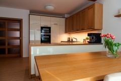 kuchyne_z_masivu_6